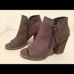 Open-Toe Heels, Size 9W